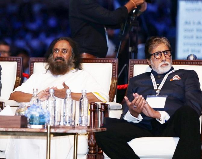 Amitabh Bachchan, Sri Sri Ravi at IAA Congress, Kerala